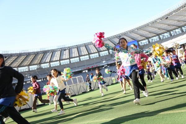 チアらんど-FC東京ーホームゲームーチアスクール出演ー味の素スタジアム20131123_19