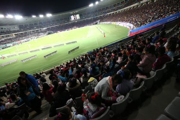 チアらんど-FC東京ーホームゲームーチアスクール出演ー味の素スタジアム20131123_44