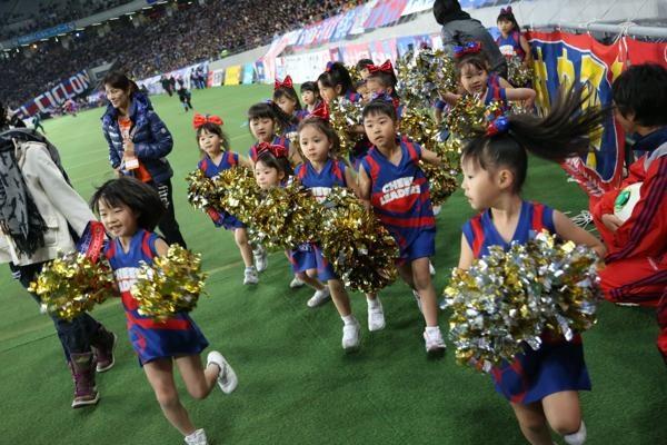 チアらんど-FC東京ーホームゲームーチアスクール出演ー味の素スタジアム20131123_38