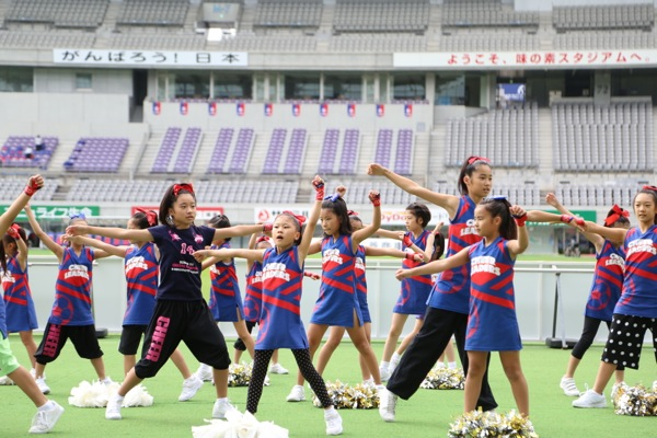 cheerland_2014_0927_FC東京_キッズチア_3