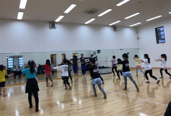 中止3/7チアリーダーのためのクラシックバレエ教室